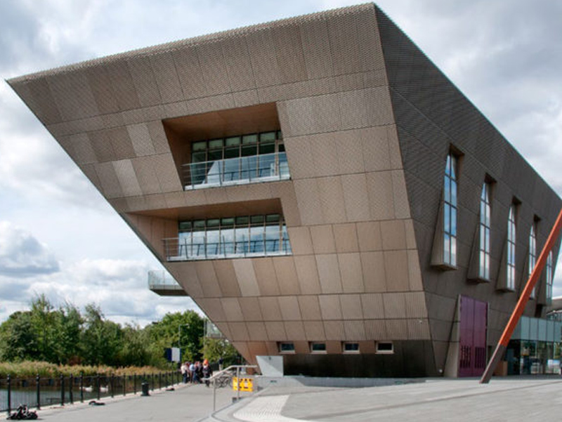 Piramid Terbalik Canada Water Library Soutwark London
